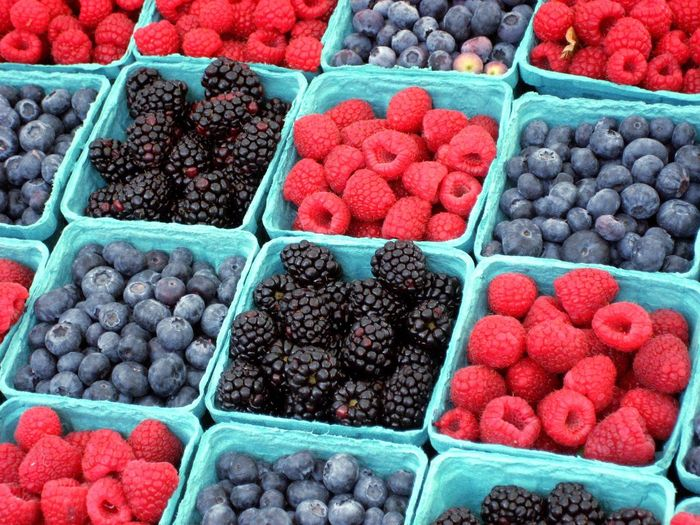 Berry Market - FUJII Large Group Of Objects Fruit Freshness Abundance Food And Drink Food Healthy Eating Choice Variation Red For Sale Retail  Market High Angle View Market Stall Ripe Blueberry Consumerism Vibrant Color Healthy Lifestyle