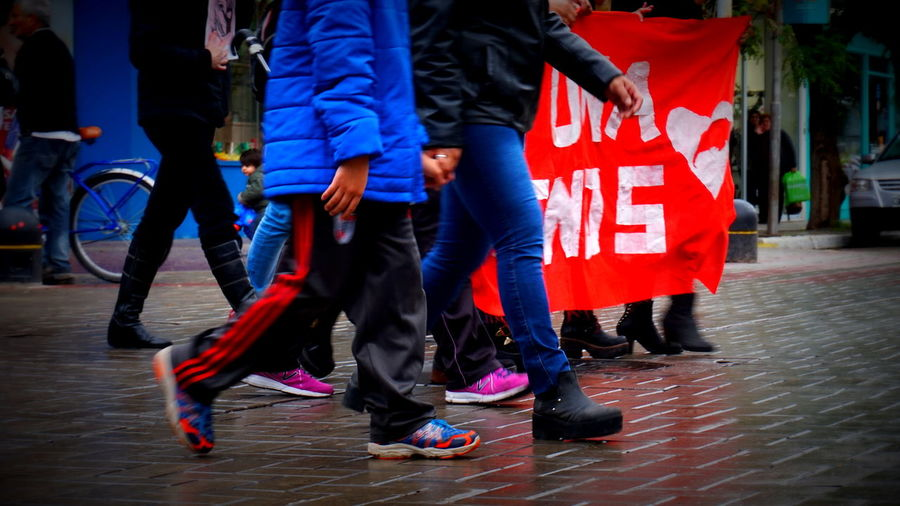 Feminist Protest Outdoors Rain Woman MiercolesNegro