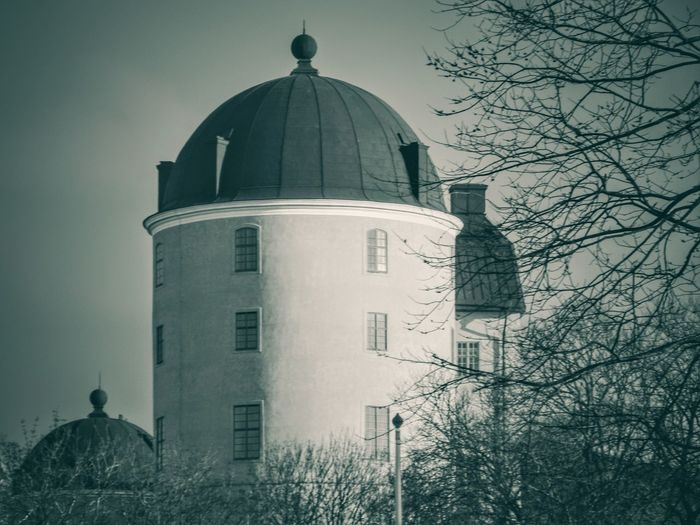 Architecture Dome Built Structure Religion Building Exterior Day Black & White Friday No People Outdoors Tree Sky Uppsalacastle Uppsala Castle Uppsala Fall Autumn Monochrome Black And White Friday An Eye For Travel The Architect - 2018 EyeEm Awards