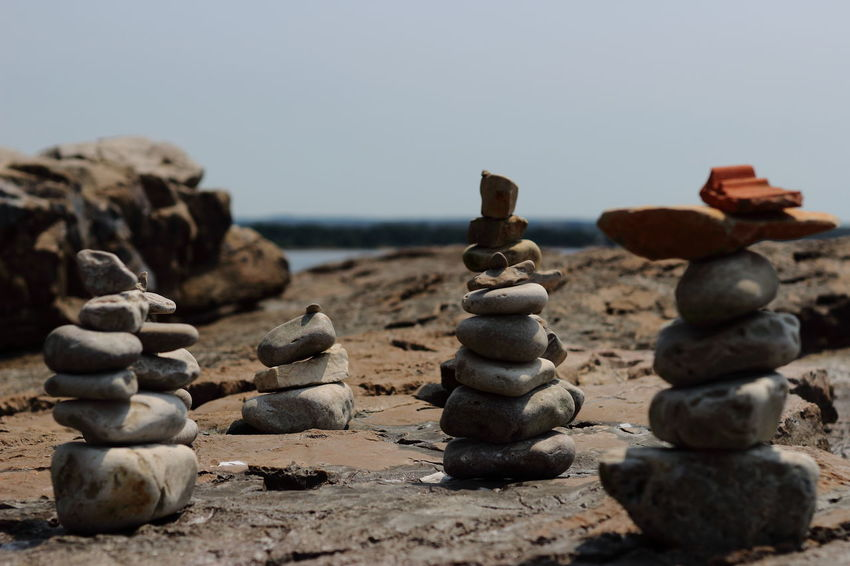 Arrangement Beach Challenge Chess Chess Board Chess Piece Clear Sky Close-up Competition Copy Space Day Focus On Foreground Knight - Chess Piece Large Group Of Objects Nature No People Outdoors Pebble Rock - Object Sea Sky Stack Strategy Tranquility Water