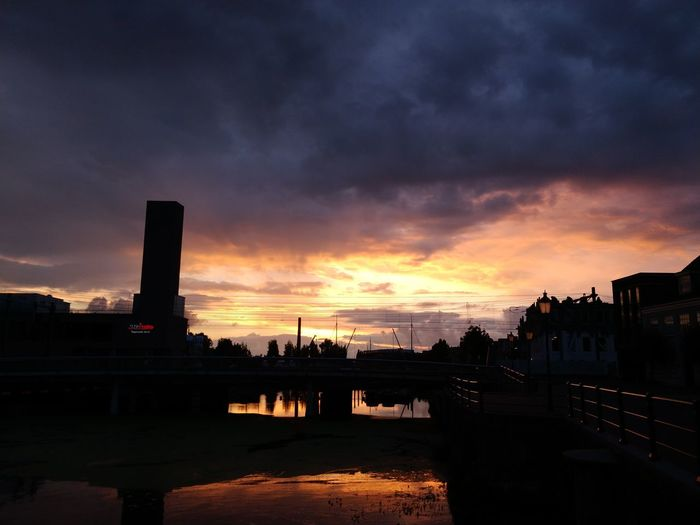 Sunset Sky Cloud - Sky No People City Outdoors Taking Photos ❤