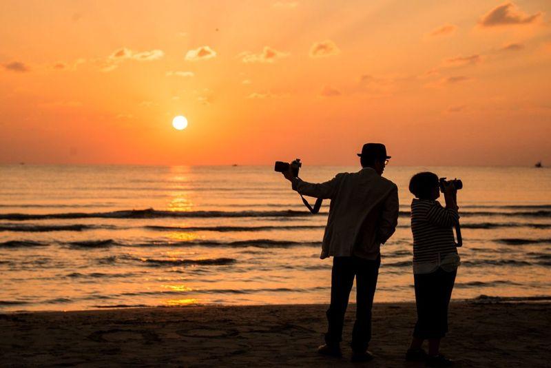 Japan Shimane Izumo Inasa Beach Sunset Magichour Couple Orange Nikon Camera Hello World Silhouette Memorial