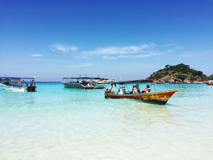 Nautical Vessel Sky Transportation Mode Of Transport Water Sea Nature Beauty In Nature Day Moored Scenics Travel Destinations Malaysia Pulau Redang Cloud - Sky Outdoors Real People Vacations Beach Longtail Boat Large Group Of People Jet Boat