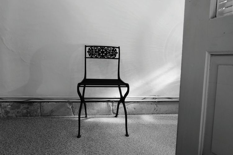 Black & White B&w Photography Old Chair Sitdown Details Chair