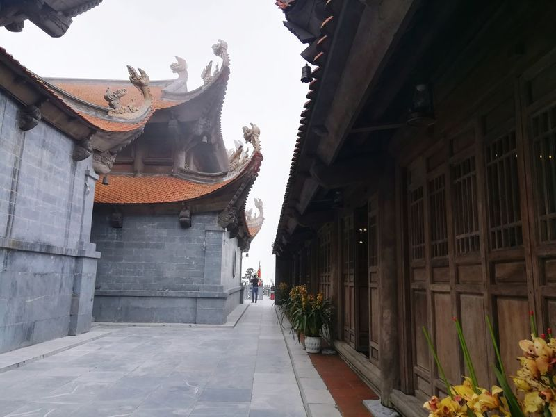 Buddhist temple on the Fansipan Mountain EyeEm Selects EyeEm Beautiful Mountain Beauty In Nature Temple Buddhist Temple History Architecture Building Exterior Built Structure Entrance