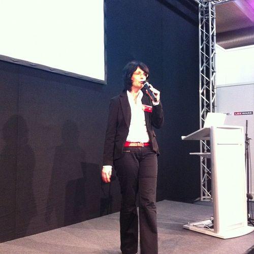 Kollegin Eva Ihnenfeldt auf der Start-Messe