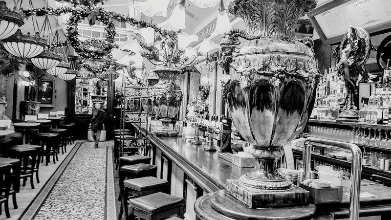 EyeEm Dublin Cafe De Saine Dublin Street Photography Dublincity Pub Public House Blackandwhite Photography Monochrome