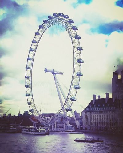 Sky Ferris Wheel Cloud - Sky Travel Destinations River Tourism Big Wheel Londoneyeview Closeup Photography Eyeoflondon LondonEyeRiverCruise GiantWheel LondonEye EyeEmBestPics Eye Of London Londonisbeautiful London Eye Beautiful View EyeEm Best Shots LONDON❤ Ferris Wheel EyeEm Gallery Cityphotography Beautiful Travel Photography