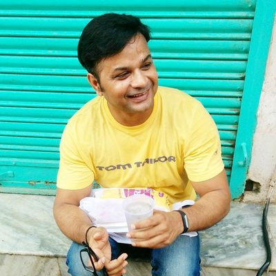 Jaishreekrishna Shribankebiharimandir Vrindavan Sunday Earlymorning  6am June28 2015  Afterdarshan Relaxing Lemondrink Withfriends Rajeevkumar August28inc A28inc