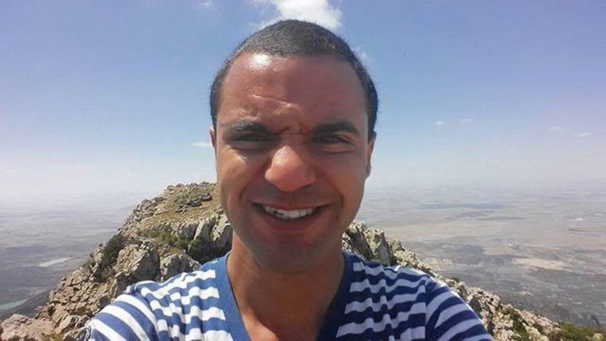 مباشرة من راس القرصاع :) Tunisia IgersTunisia Mountain Dangerous_selfie Wikimediatn Wikilovesearth لين راسي دخن :p