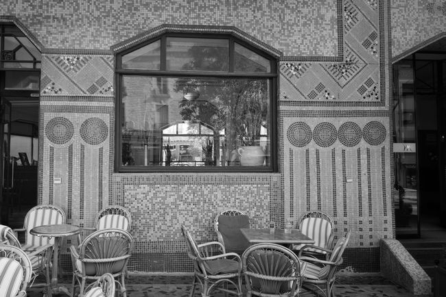 Cafés style Artdeco Architecture Architecture_collection Arrangement No People Architectural Photography Bnw_collection Monochrome Bnw Black And White Blackandwhite Blackandwhite Photography Black And White Photography Black & White Black And White Collection  Black&white StreetphotographyStreet Photography Rodez Architectureporn Architecturelovers Archilovers Architecture Photography Public House