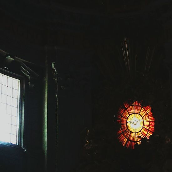 Illuminated Light Luz High Angle View Travel Destinations Dreaming Basilicadesanpedro BasilicaDiSanPietro Italia Romeitaly VaticanCity Roma Roadtorome History Tb City Built Structure Architecture Vidriera TragaLuzAntiguo Cristalera Bird EyeEm Selects