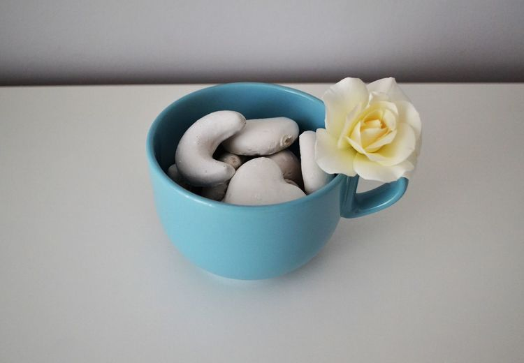 Blue Cup Flower Food Food And Drink Gingerbreads Rosé Sweet Sweet Food White White Flower