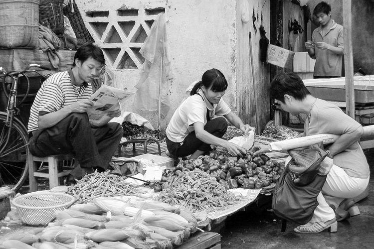 China 2003 Black And White China Market Role Allocation Sitting Vegitables Working