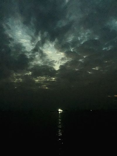 Beauty In Nature Sky Nature Water Silhouette Outdoors Tranquility Night No People Cloud - Sky Scenics Sea Storm Cloud Astronomy 景