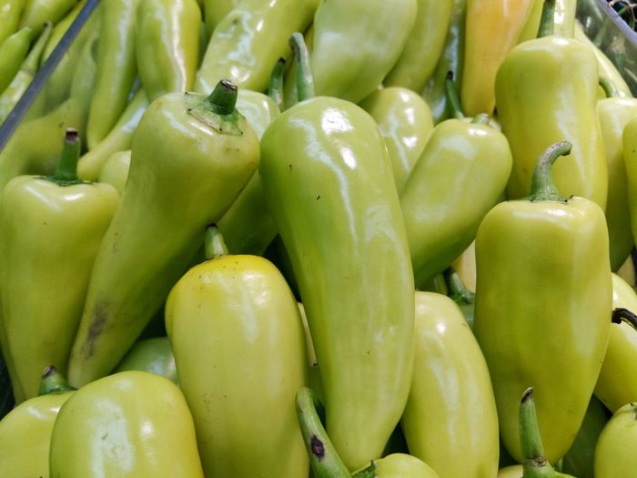 Backgrounds Close-up Food Food And Drink For Sale Freshness Full Frame Green Color Healthy Eating Market Market Stall Pepper Retail  Ripe Sale Vegetable พริก รสเผ็ด