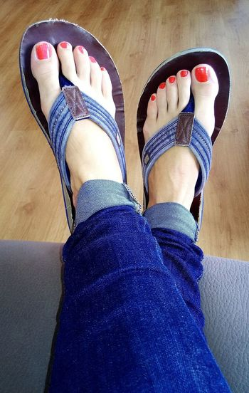 Some stole my flip flops 😂 Human Leg Human Foot Human Body Part Personal Perspective Woman Foot Jeans Woman Jeans Polish Toenails Toenails Toenailpolish Stolen Shoes Flipflops Flip Flops Woman In Jeans Nail Polish Slippers Slipper  Ankle Ankles Feet Crossed Crossed Feet