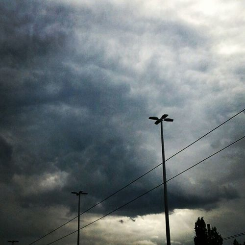 Like a miniature Supercell Coldfront Clouds Mammatus stormchasing budapest