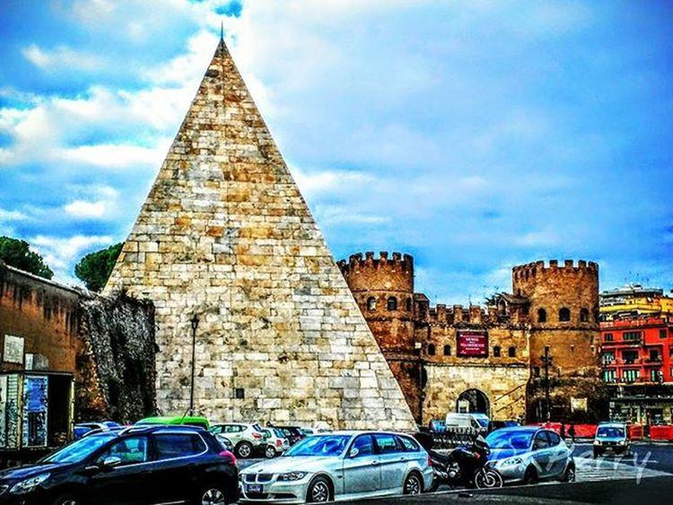 """""""Piramide"""" Rome Roma Noidiroma Piramide Fb WP Repostromanticitaly Architecture Italianarchitecture Italia Italy Lazio Ostiense Travelitaly Historic History"""