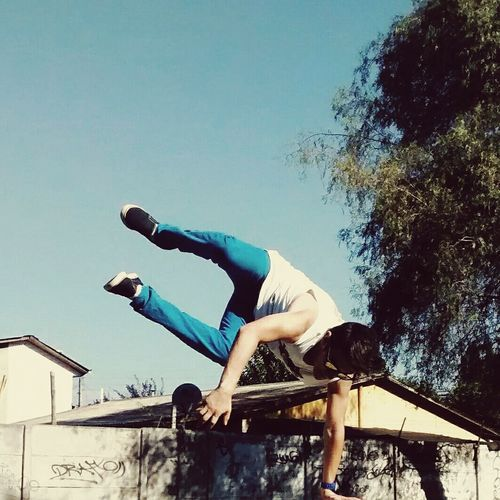 Phoyography Jumping Excercising Unico Cool_capture_