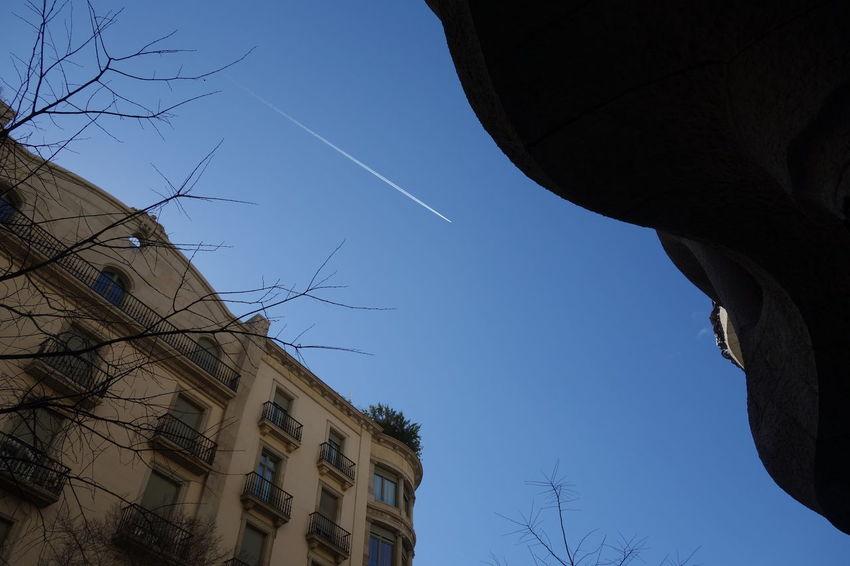 Barcelona Clear Sky Contrail Sky Vapor Trail