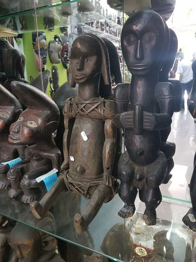 Camerun Art Africaine Escultura En Bois Wood Arts Culture And Entertainment Store Human Representation Close-up