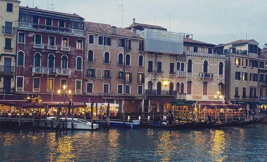 🌃😍 Venezia Italy Lights Night