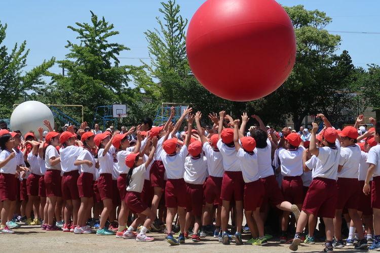 運動会 G7X MarkⅡ 小学生 運動会 大玉送り Tree Child Balloon Full Length Togetherness Girls Mid-air