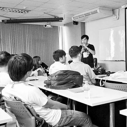 Session : คหสต ความเห็นส่วนต่างในความเห็นส่วนตัวบนโลกออนไลน์. 24 | 11 | 2015 note : ไม่เคยพูดในที่ที่มีคนเยอะขนาดนี้มาก่อนเลย เยอะกว่าตอนพรีเซนต์งานหน้าห้องเรียนอีกหลายเท่า นี่มันการพูดในที่ประชุมชนงานแรกในชีวิตชัดๆ Bcbk cr : @imtaiki