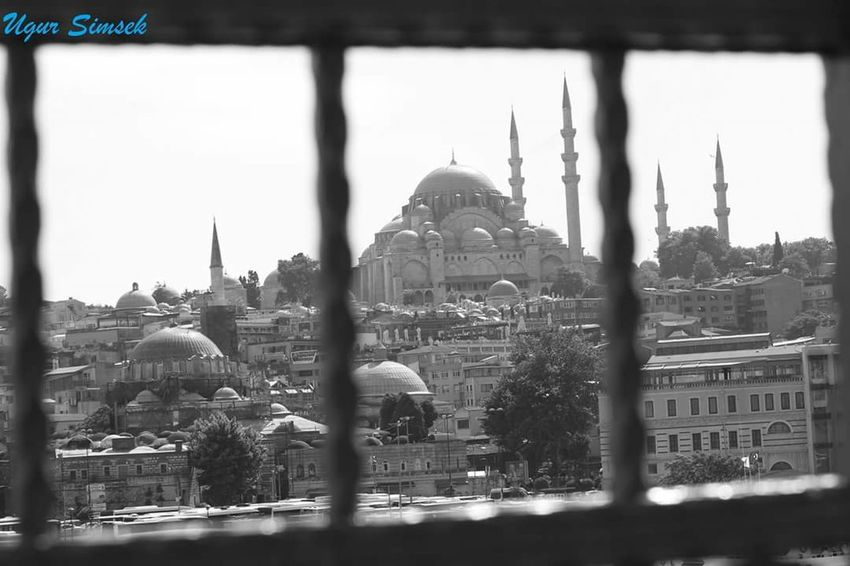 No People City Real People Happiness Istanbul Cami Happy :) Istanbul City Mylive  Freedom! Folow Me Istanbuldayasam Istanbul Turkey Lifestyles Uğur 600D Canon Mosque Eminönü Ugursimsek