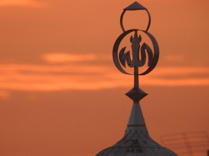 The mosque sign Sunset Orange Color Sky No People Nature Cloud - Sky Outdoors Sunlight Tranquility Art And Craft Scenics - Nature Circle Religion Spirituality Time Beauty In Nature Geometric Shape Belief Shape Sun