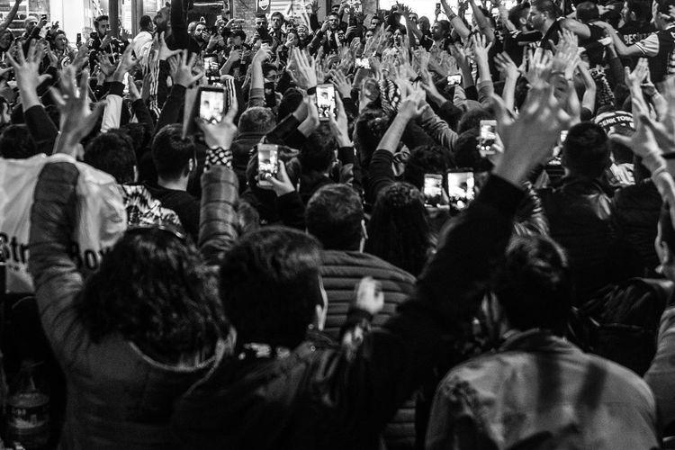 Large Group Of People Real People Men Crowd Women Outdoors Leisure Activity Lifestyles Istanbulstreetphotography Beşiktaş ıstanbul Türkiye Football Fans Football Fever Footballgame Football Match ÇARŞI Match Day Besiktas GalataSaray
