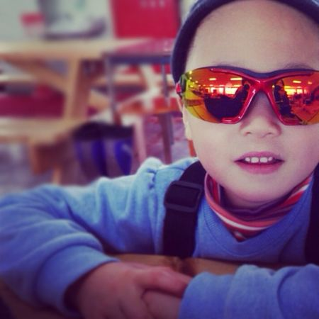 Cool Girl Sunglasses Child Kid Cute Skiing Ski Niece  Glare Littlegirl スキー 女の子 姪っ子 子供 Coolkids サングラス 写り込み スキー場 Funkygirl 姪