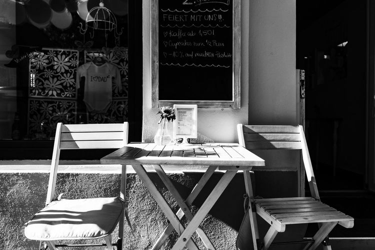 sometimes I stay on the way to work sitting here (vienna word: Schanigarten) = decelerate Cafe Coffe Coffee Break Decelerate My Commute My Commute-2016 EyeEm Photography Awards No People Schanigarten Seat