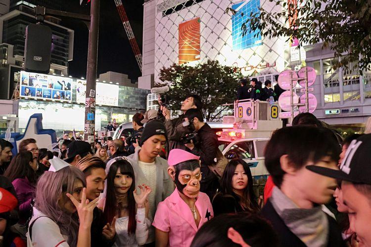 Tokyo Halloween Streetphotography Happy Halloween! Halloween Costumes Night Photography EyeEm Best Edits Halloween EyeEm From My Point Of View Halloween Tokyo Street Halloweenmakeup Halloween2015