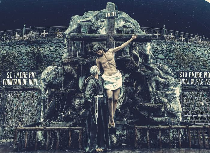Let me be your servant. Catholicism Smartphonephotography HUAWEI P20 Photography Water Human Representation Close-up Sculpture Statue Jesus Christ Art Sculpted