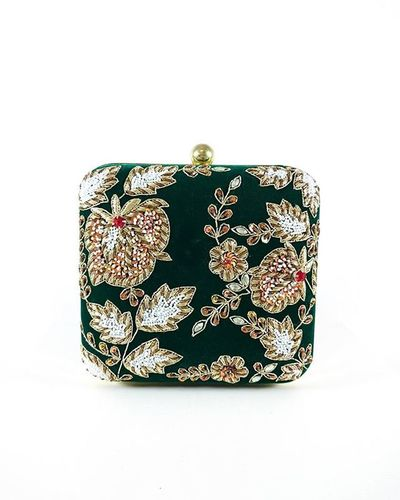 https://www.desiroyale.com/collections/clutches/products/green-zardozi-clutch Desi Wedding Punjabi Picoftheday Photooftheday Instagood Instacool Instagood Instacool Accessories Anthropologie Zara Urban Turban Desi Wedding Punjabi Shaadi Shaadiseason Pretty Party Formal Art Bohemian Chic designer design