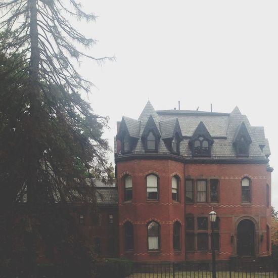 Hartford Traveling Road Trip Old House