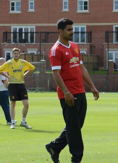 Cricket legend Mohammad Saad is a Man Utd fan! Cricketers