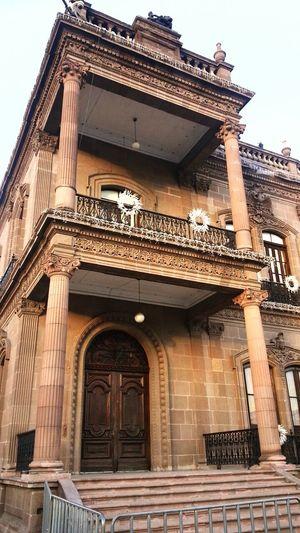 Taking Photos Palacio de Cantera