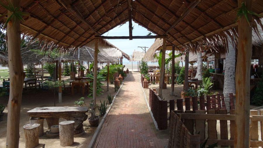 Aussenrestaurant Lokal Nature Naturlokal Thailokal Architecture Beiz Chair Day Indoors  Leer Nature Niemand No People Restaurant Table Wood - Material