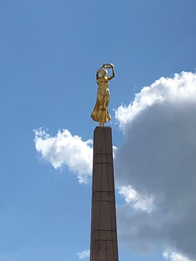 Gëlle Fra Art And Craft Sky Sculpture Representation Statue Human Representation Low Angle View