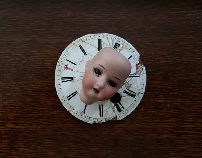 Roman Numeral Minute Hand Clock Face Wood - Material Clock Table Time Hour Hand One Minute To Go Clockface Clocks Time To Reflect Timeless Good Memories Morning Evening Doll Photography Doll Face Playground Equipment Playground Wood Table Face See You Watch Watch The Clock