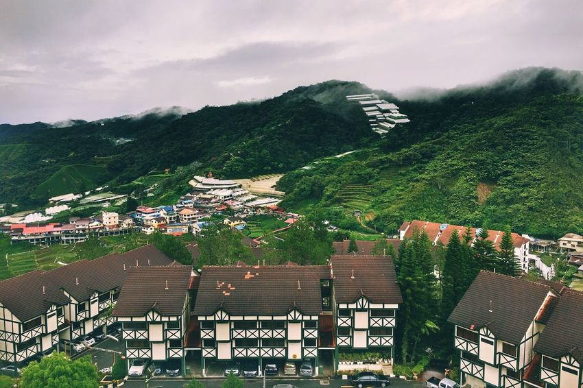 Architecture Built Structure Building Exterior House High Angle View Tree Mountain No People Outdoors Day Beauty In Nature Sky Residential Building Cloud - Sky Nature Scenics Roof Cameron Highlands Brinchang CopthorneHotel Pahang, Malaysia IPhone Photography Ios Photography EyeEmNewHere