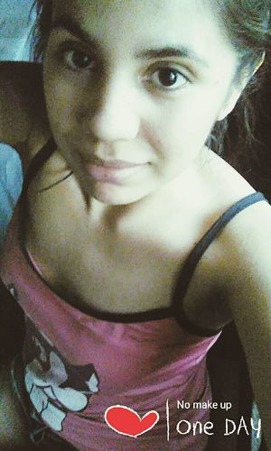 No Makeup Daysoff Young Girl Argentine Girl One Person Real People Real Life Smilygirl Only Women One Photo Every Day Sunday Morning Looking At Camera JustMe Pijama Day