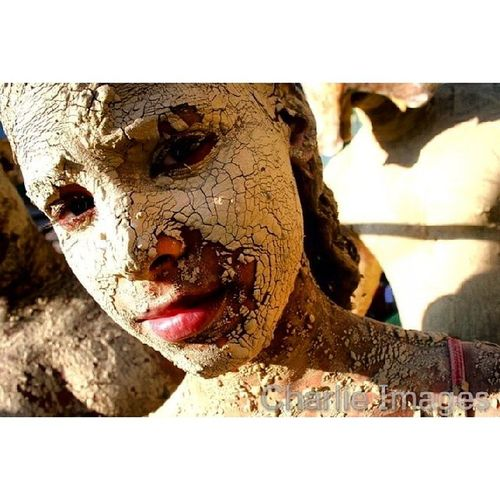 Mud Light and shadow [ Photo /Charlie Images] Photojournalism Streetphoto Carnival @mario_tama Girl dr
