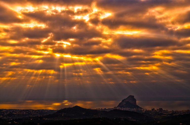 Gods Fingers Atmosphere Atmospheric Mood Calpe Calpe Alicante España Clouds Clouds And Sky Cloudscape Glowing Majestic Rays Rays Of Light Rays Of Sunshine Sunrise Tranquil Scene