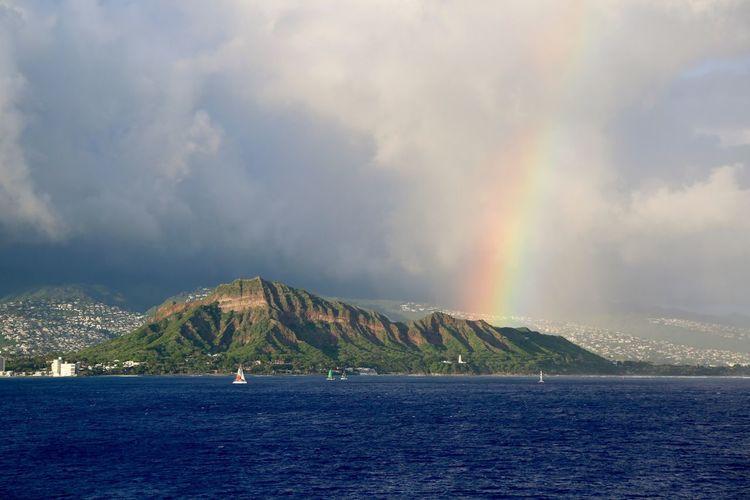 Beautiful rainbow on Diamond Head Crater Sea Water Outdoors Scenics Beauty In Nature Rainbow No People Cloud - Sky Nature