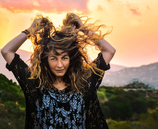 Free Freedom Crazy Moments Blowmind EyeEm Selects Portrait Young Women Tangled Hair Looking At Camera Happiness Women Smiling Wind Motion Long Hair