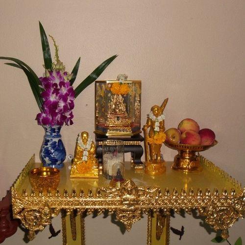 Buddha Monk  ThaiMonk Pray praying believing Buddhism bbkk beautiful_bangkok beautiful_siam loves_siam igersThailand Thai_igers Thailand_allshorts Thailand_allshots igworldclub webangkok bangkok_bigcity superb_shots